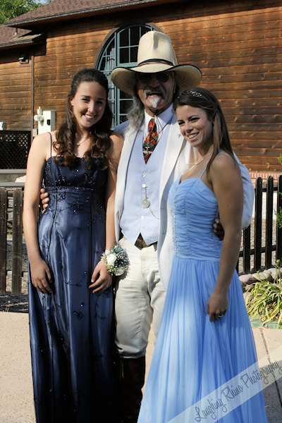Stan and the prom girls